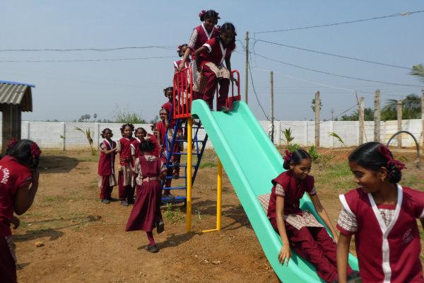 Bonita Rennie visit Nov 2019 children slide